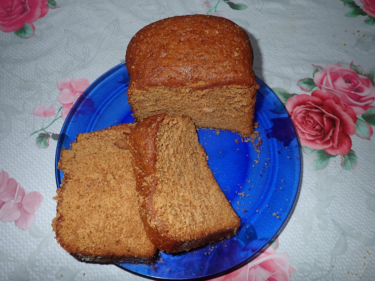 Honey Cake without Eggs or Sugar
